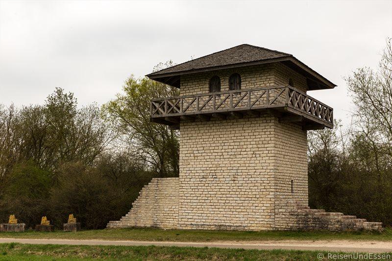 Auf den Spuren der Römer im Altmühltal - Limesturm in Erkertshofen