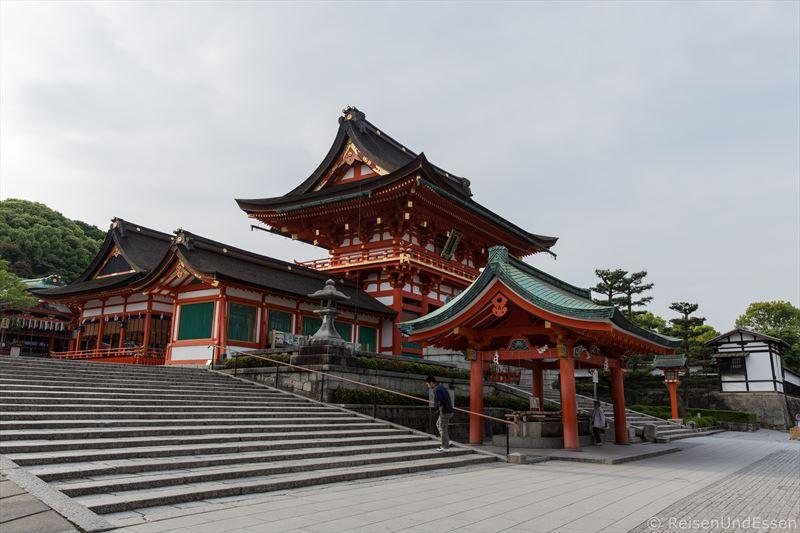 Haupthalle (honden) in Fushimi Inari-Taisha in Kyoto