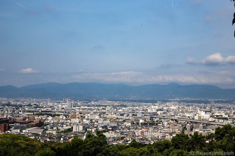 Blick vom Fushimi Inari auf Kyoto