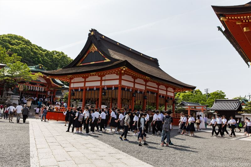 Vormittags in Fushimi Inari-Taisha in Kyoto
