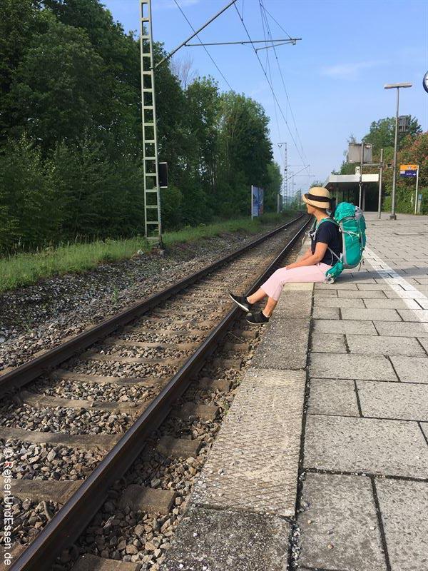 Warten auf die S-Bahn zum Flughafen München