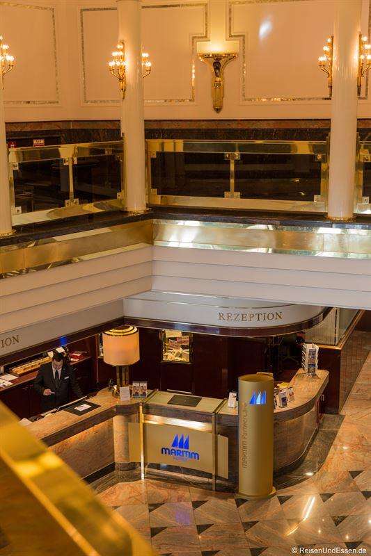 Lobby im Maritim Hotel Ulm
