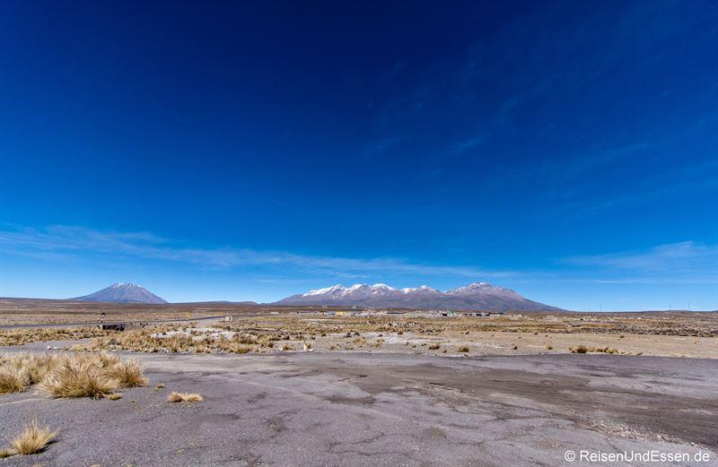 Blick auf dem Altiplano mit Vulkan Misti