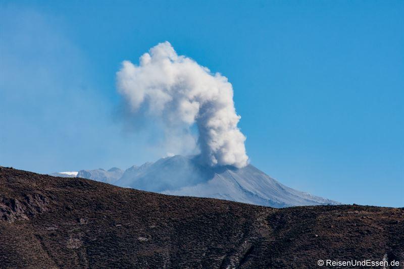 Aktiver Vulkan bei Chivay