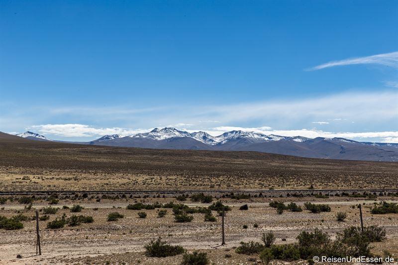 Auf dem Altiplano entlang der Zugstrecke von Arequipa nach Puno