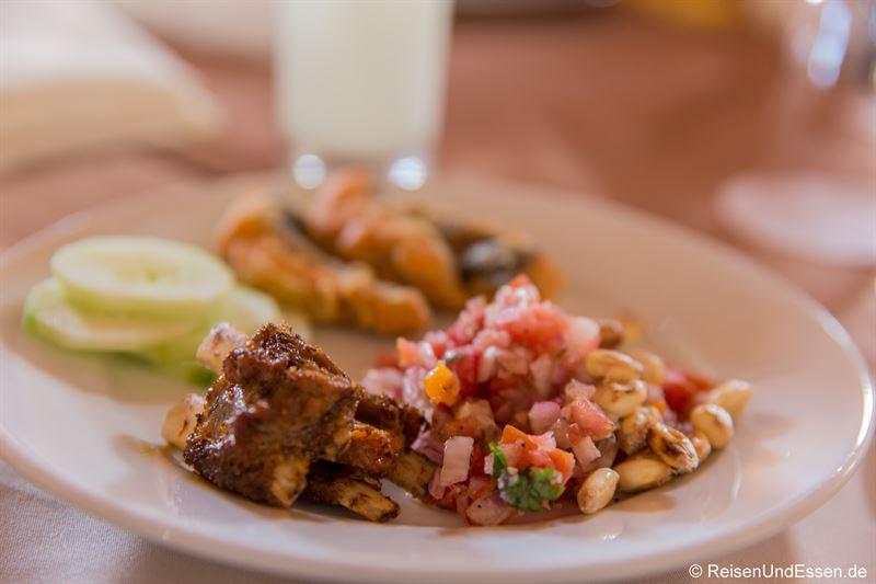 Mittagspause mit Essen in Chivay