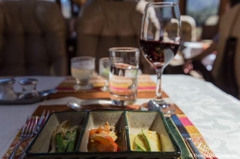 Vorspeise mit verschiedenen Gemüsesorten bei Inca Rail