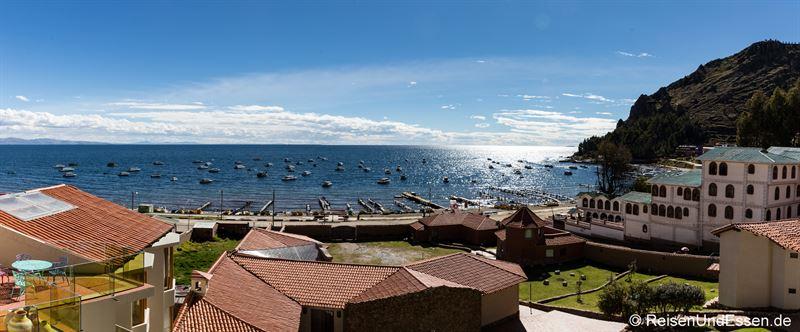 Panoramablick vom Zimmer mit Aussicht in Copacabana am Titicacasee