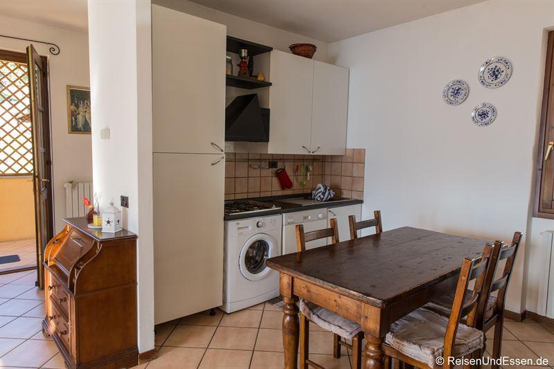 Küche in der Ferienwohnung am Comer See in Gravedona