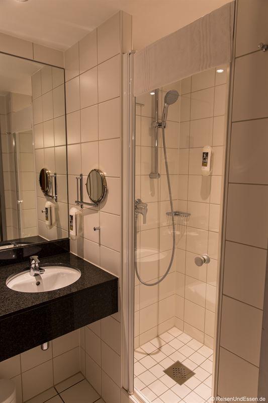 Badezimmer im Privilege-Zimmer im Mercure