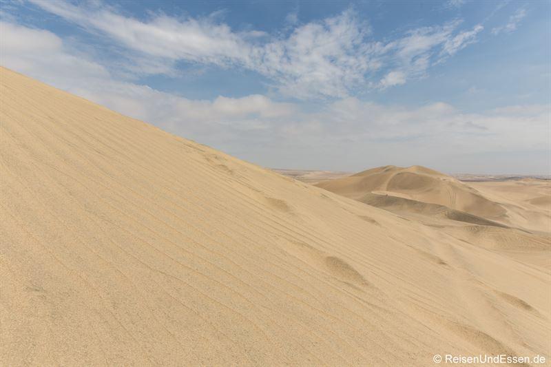 Aufstieg auf die Sanddünen in Huacachina