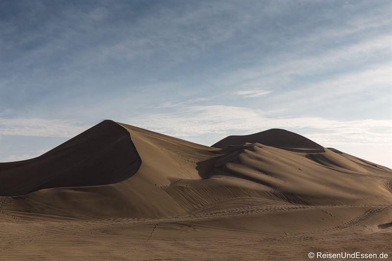Sanddüne im Abendlicht in Huacachina