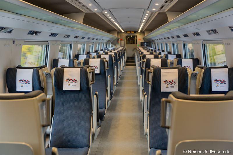 Wagen der 2. Klasse im ETR 610