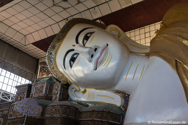 Shwethalyaung-Buddha in Bago