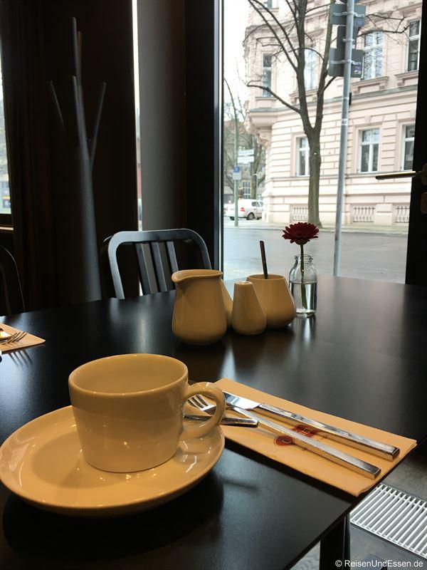 Frühstück im Adina Apartment Hotel Berlin Mitte