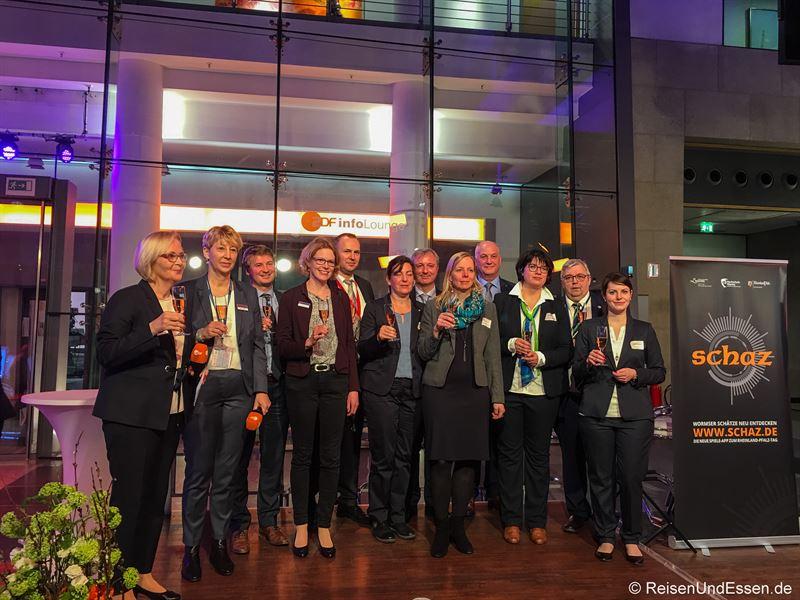 Gruppenbild beim ITB Medientreff der Gastlandschaften Rheinland-Pfalz im ZDF Hauptstadtstudio