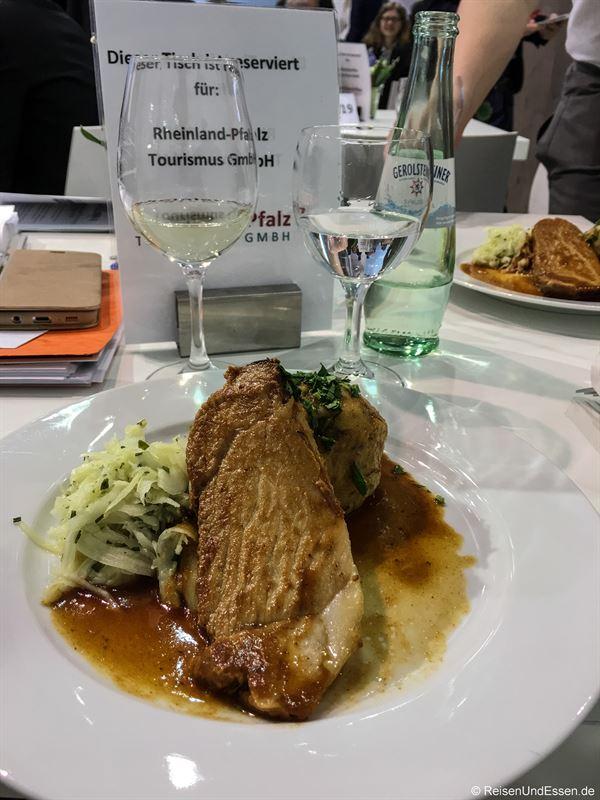 Essen und Trinken am Stand von Rheinland-Pfalz auf der ITB
