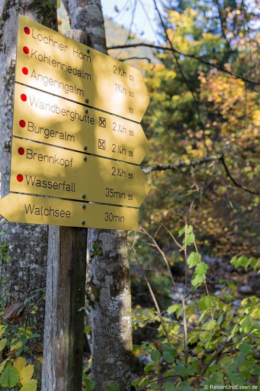 Hinweisschilder in Oberwinkl