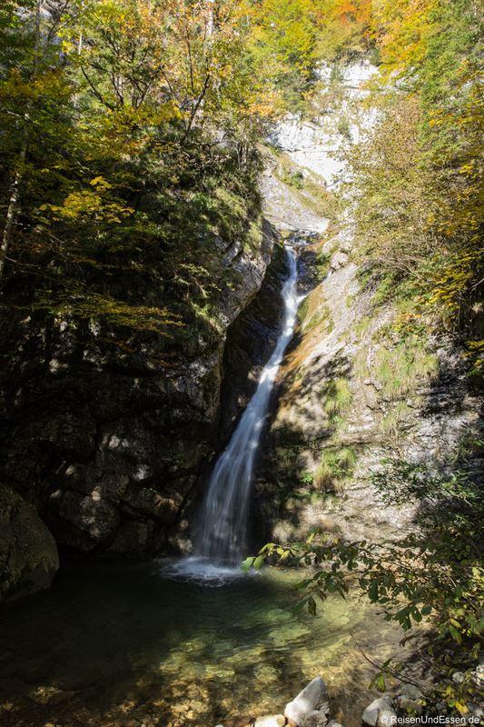 Wasserfall durch den Kohlenrieder Bach