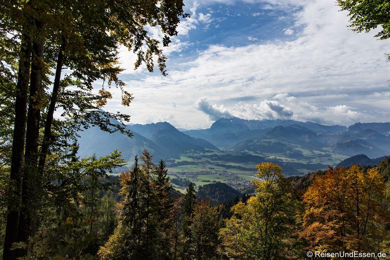 Blick auf Kössen im Kaiserwinkl, Unterberg und Wilder Kaiser