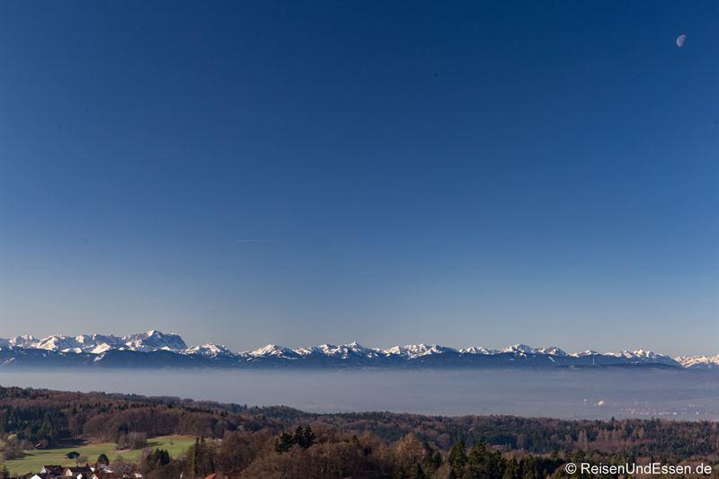 Blick vom Turm der Klosterkirche auf die Alpen