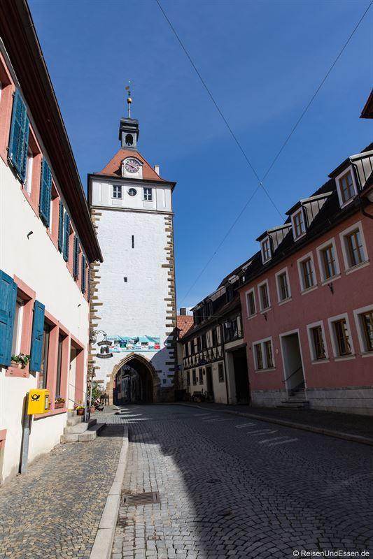Gasse und Stadttor in Prichsenstadt