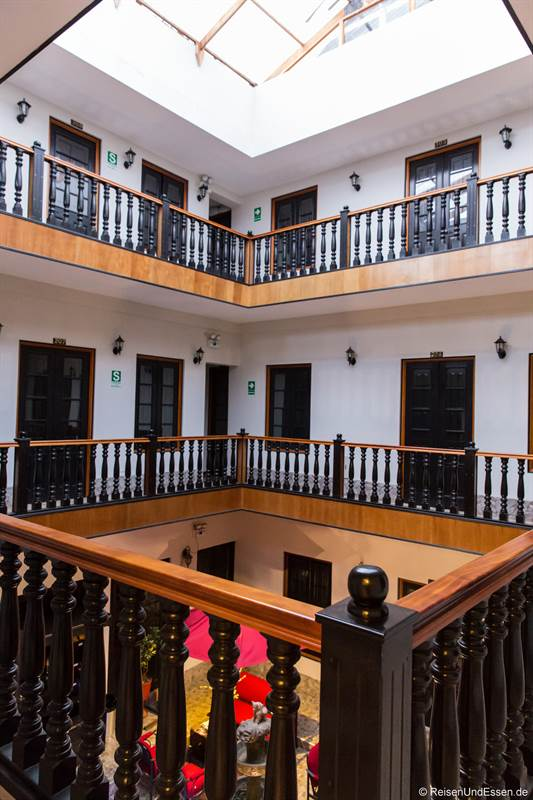 Atrium im Colonial Plaza Hotel in Puno
