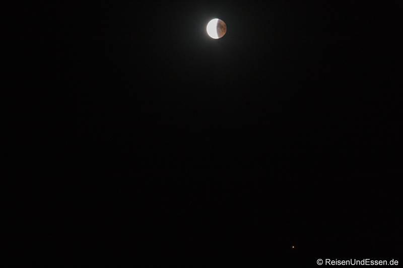 Ende der Mondfinsternis und Mars