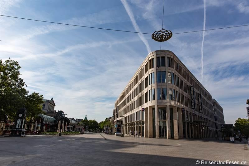 Kröpcke - Station 35 beim Roten Faden in Hannover