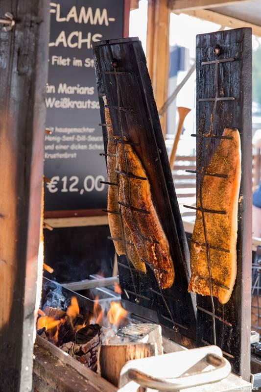 Flammlachs auf dem Maschseefest in Hannover