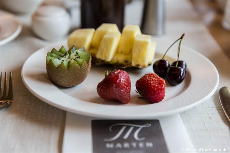 Auswahl an Obst zum Frühstück
