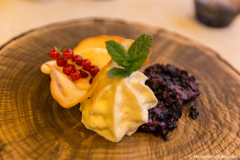 Moosbeernocken als Dessert beim Pinzgauer Menü