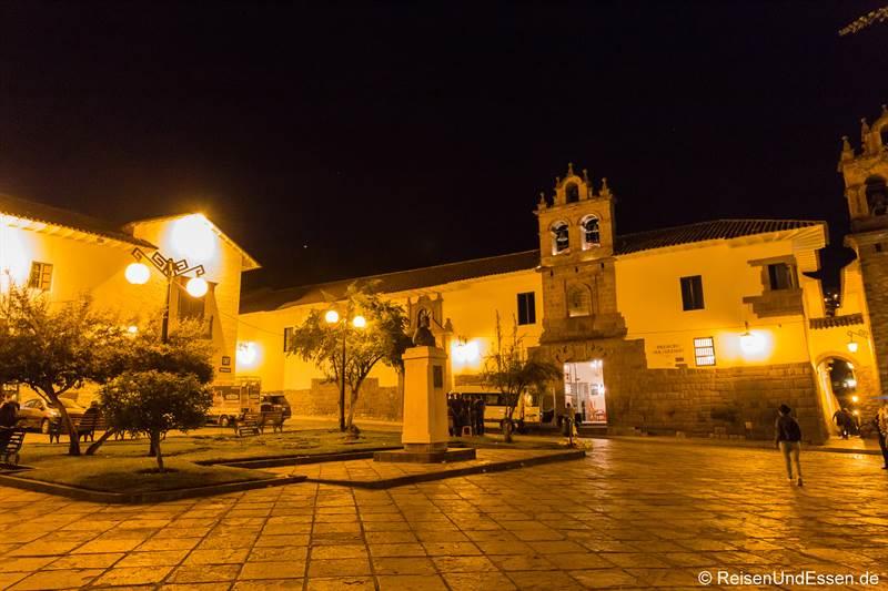 Platz in San Blas in Cusco bei Nacht