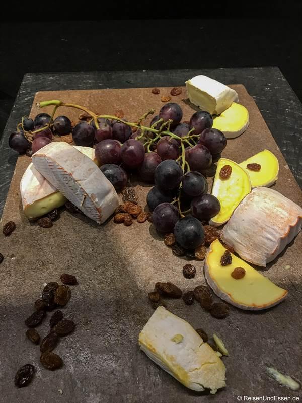 Käse beim Frühstück-Buffet im Mercure Hotel Stuttgart City Center