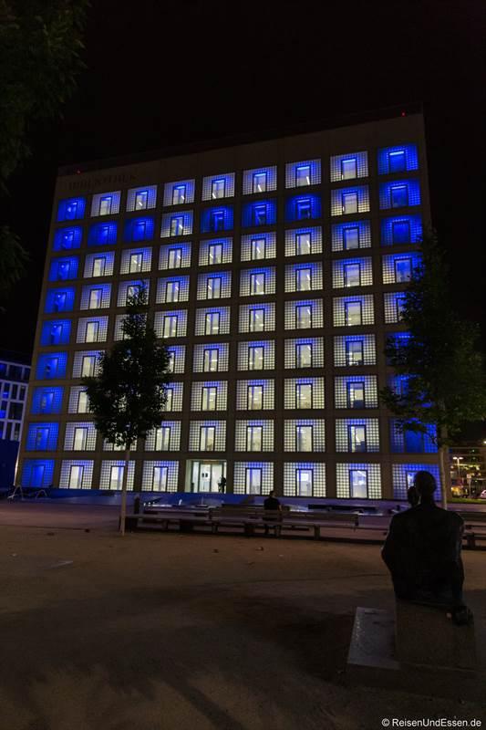 Stadtbibliothek Stuttgart bei Nacht