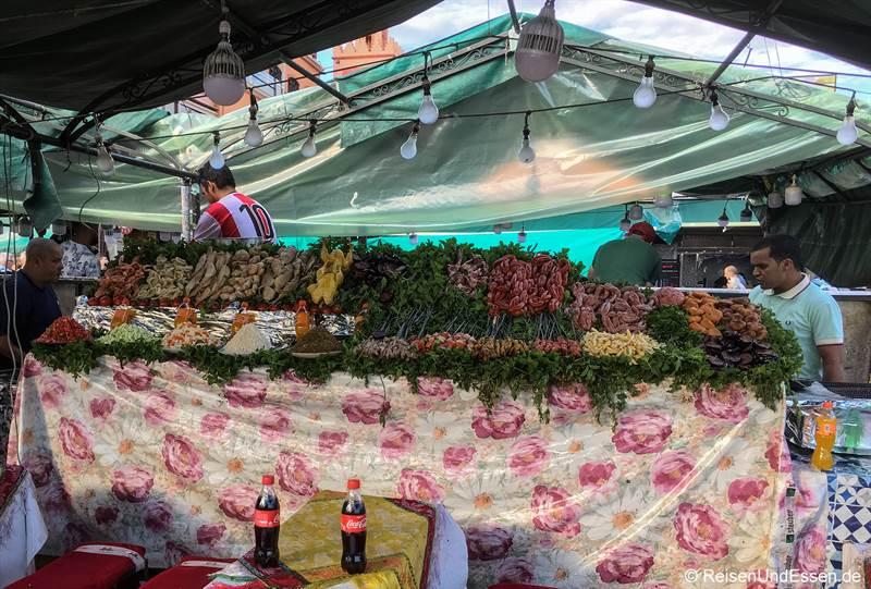 Imbissstand auf Djemna el Fna in Marrakesch