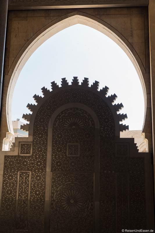 Tor in der Hassan II Moschee in Casablanca