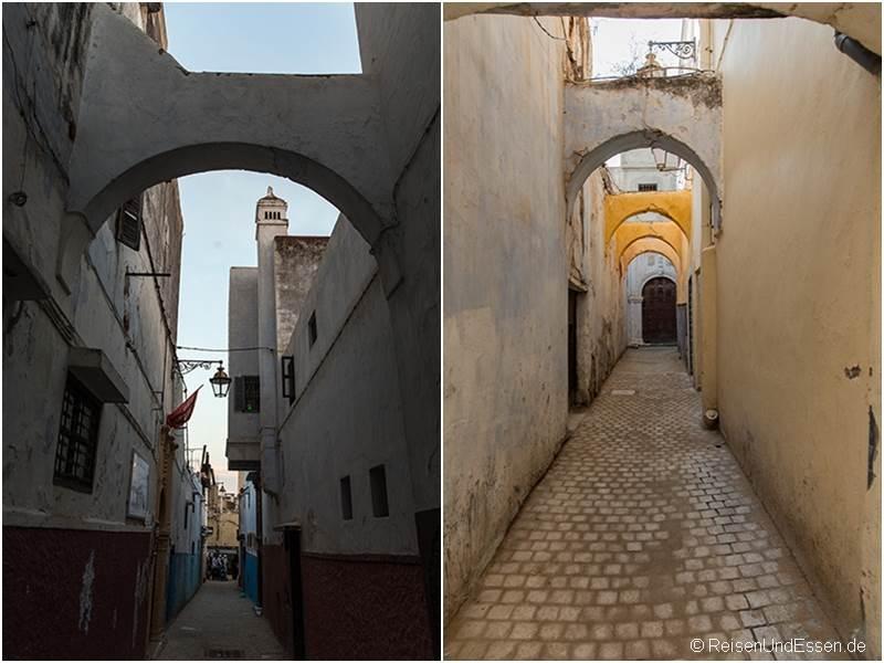 Gassen und Torbogen in der Medina in Rabat