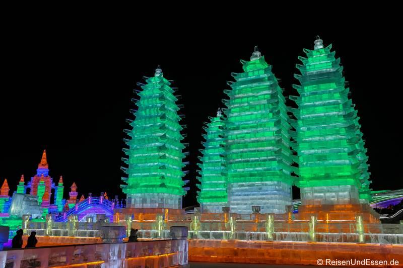Pagoden von Xian beim Eisfestival in Harbin
