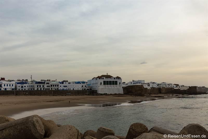 Blick vom Hafen auf Asilah