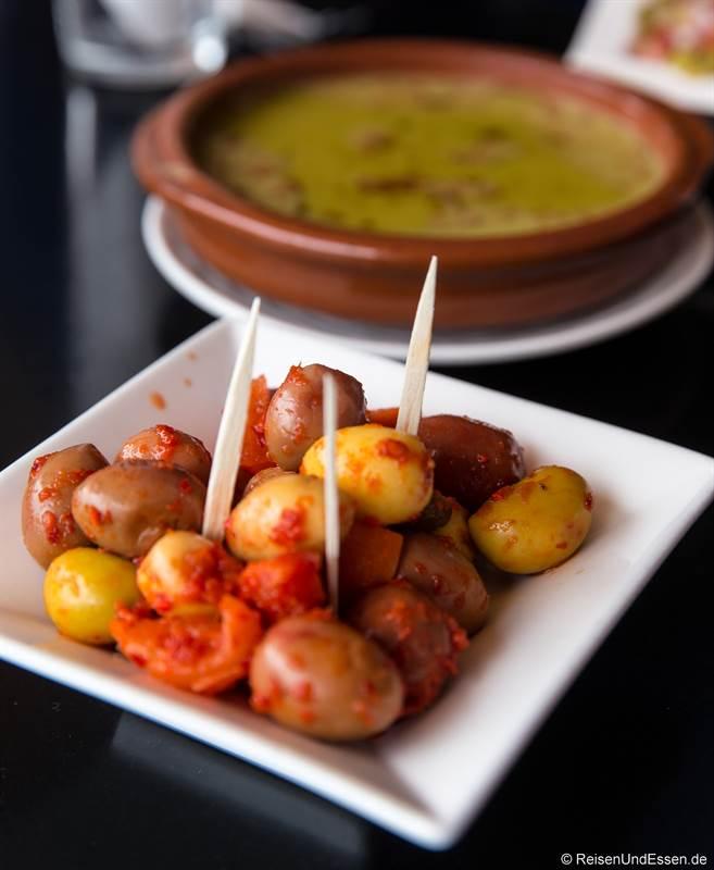 Pikante Oliven als Vorspeisen