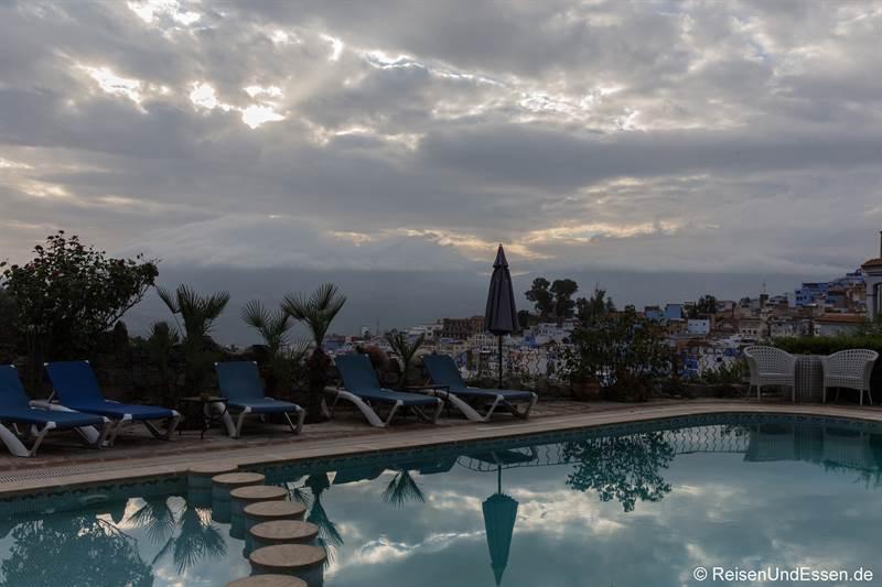 Swimmingpool im Hotel Dar Chefchaouen