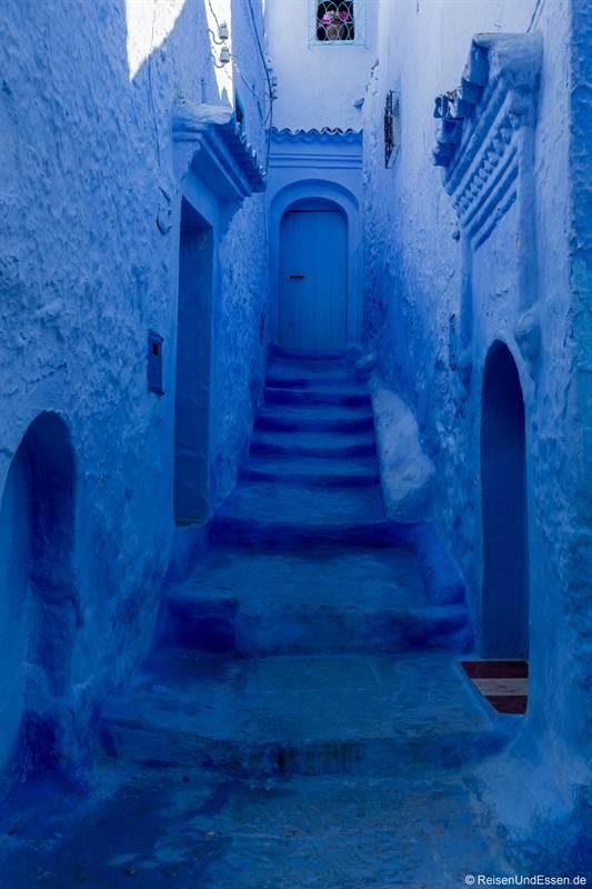 Gasse in der blauen Stadt