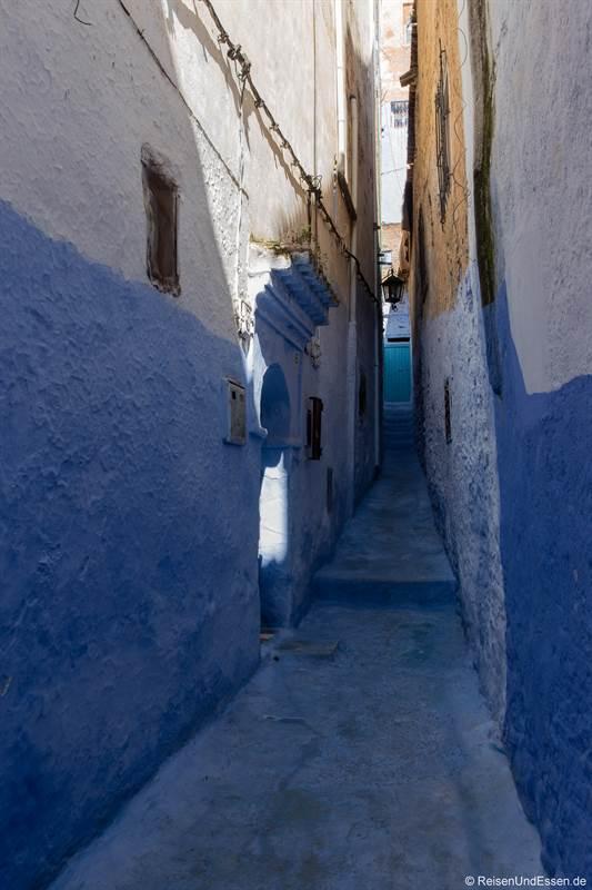 Blaue Stadt Chefchaouen bei Sonne