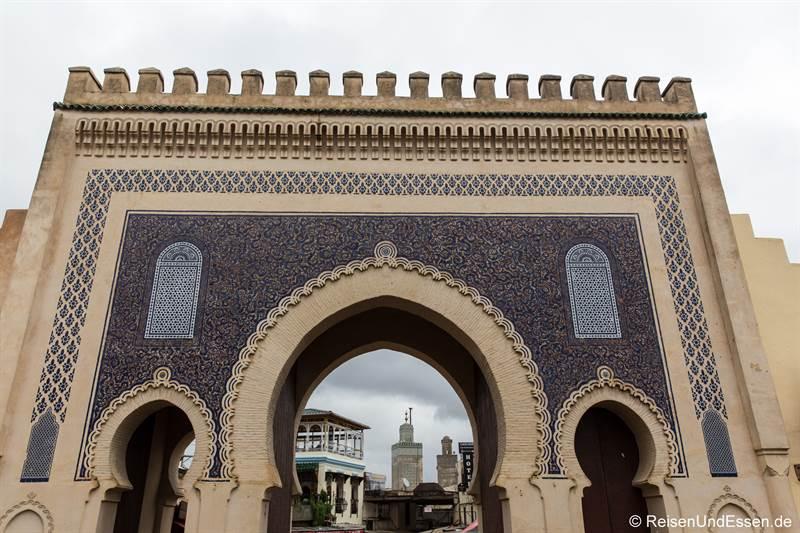 Blick durch das Blaue Tor in Fes - Sehenswürdigkeiten in Fes