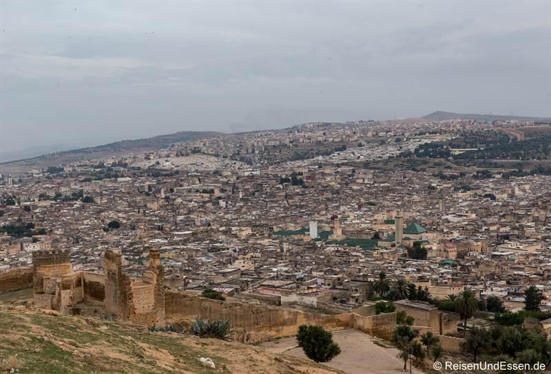 Blick vom Borj Nord auf die Medina von Fes
