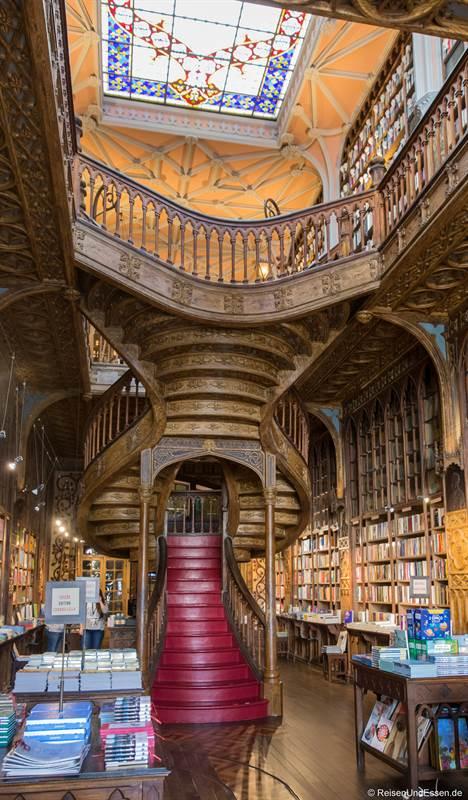 Buchladen Livraria Lello - Sehenswürdigkeiten in Porto