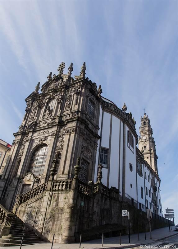 Kirche Igreja dos Clérigos in Porto