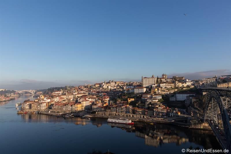 Blick auf Ribeira und Douro - Sehenswürdigkeiten in Porto