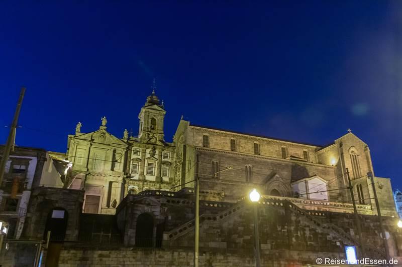Kirche Sao Francisco in Porto bei Nacht